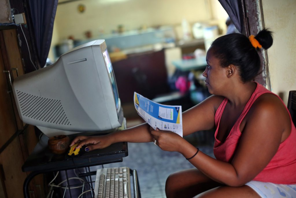 Una comisión de EE.UU. estudiará durante un año cómo extender internet en Cuba