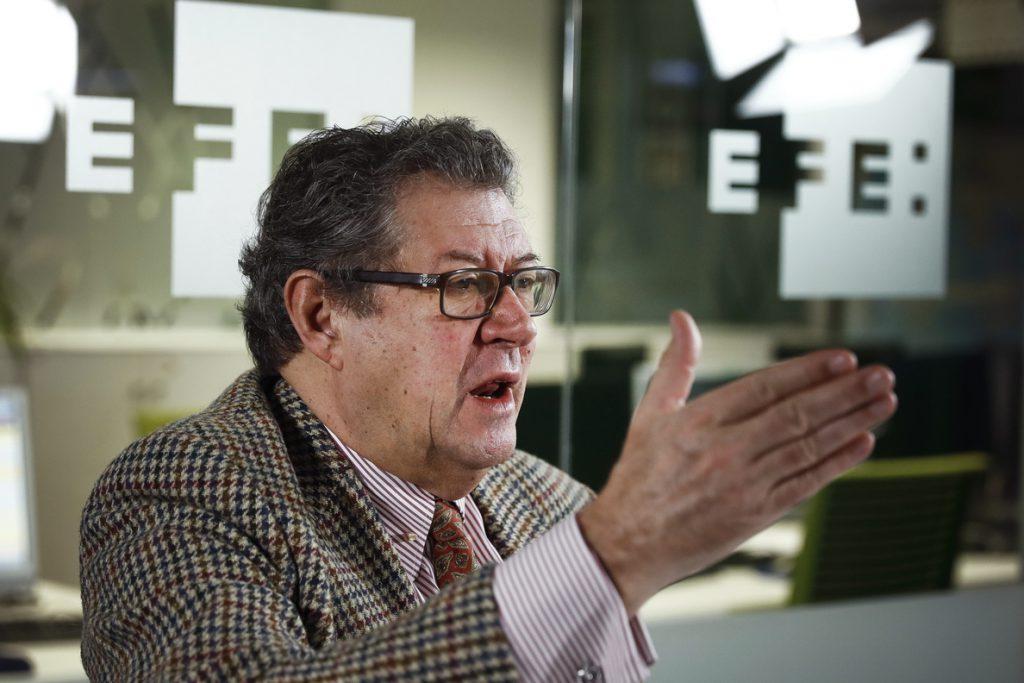 Un eurodiputado denuncia no recibir credenciales de Puigdemont del Parlament