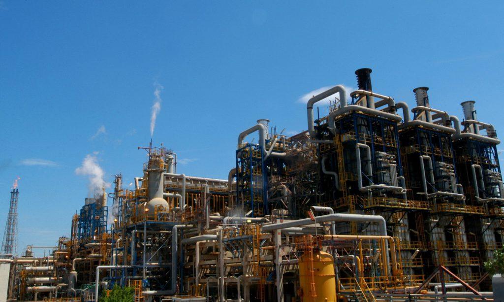 EE.UU. estudia cómo sancionar el petróleo de Venezuela mitigando los daños