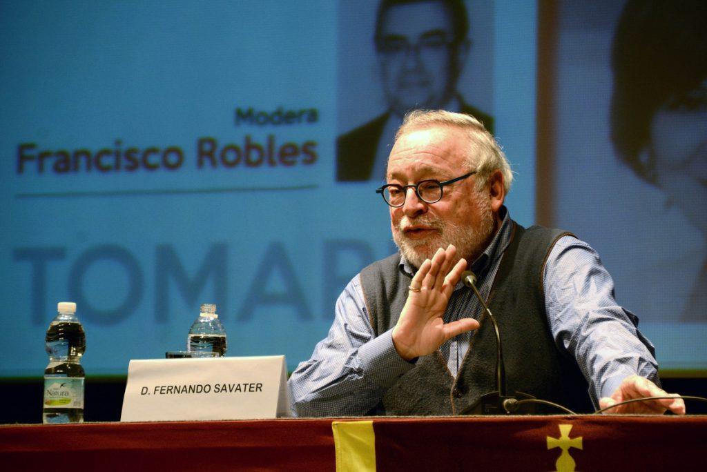 Fernando Savater: «el nacionalista está contento con lo que es, pero el separatista detesta al otro»