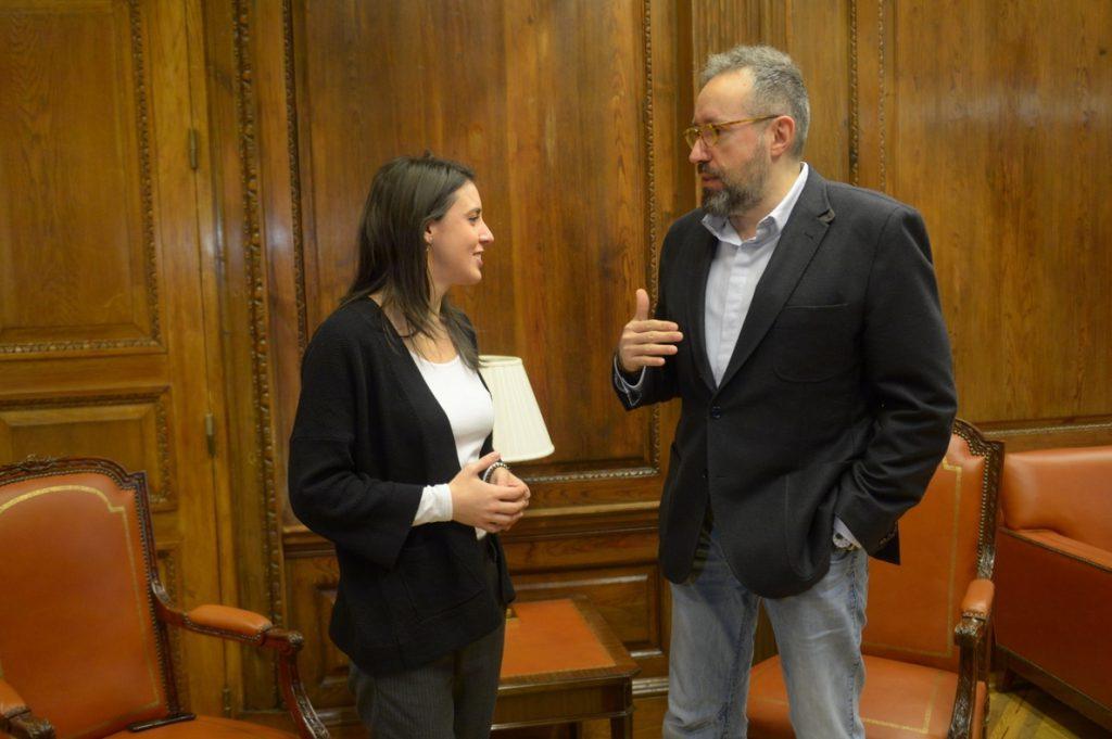 Méndez de Vigo dice que Podemos y Cs persiguen su beneficio particular con la reforma electoral y reclama consenso