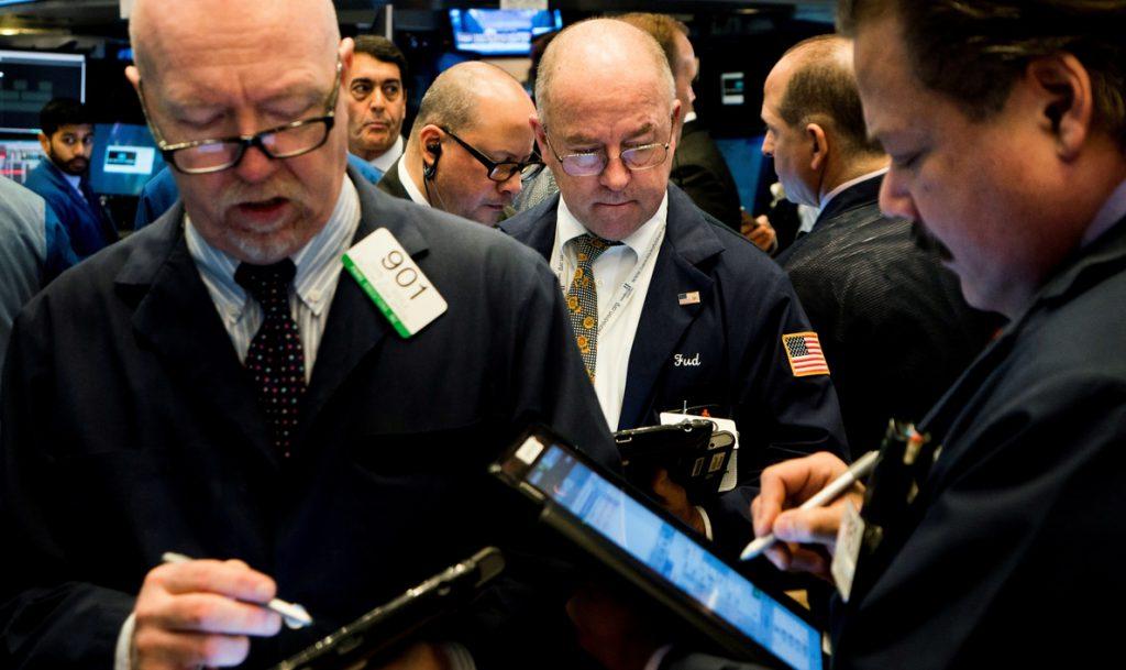 Wall Street abre con ganancias y el Dow Jones sube un 1,11 %