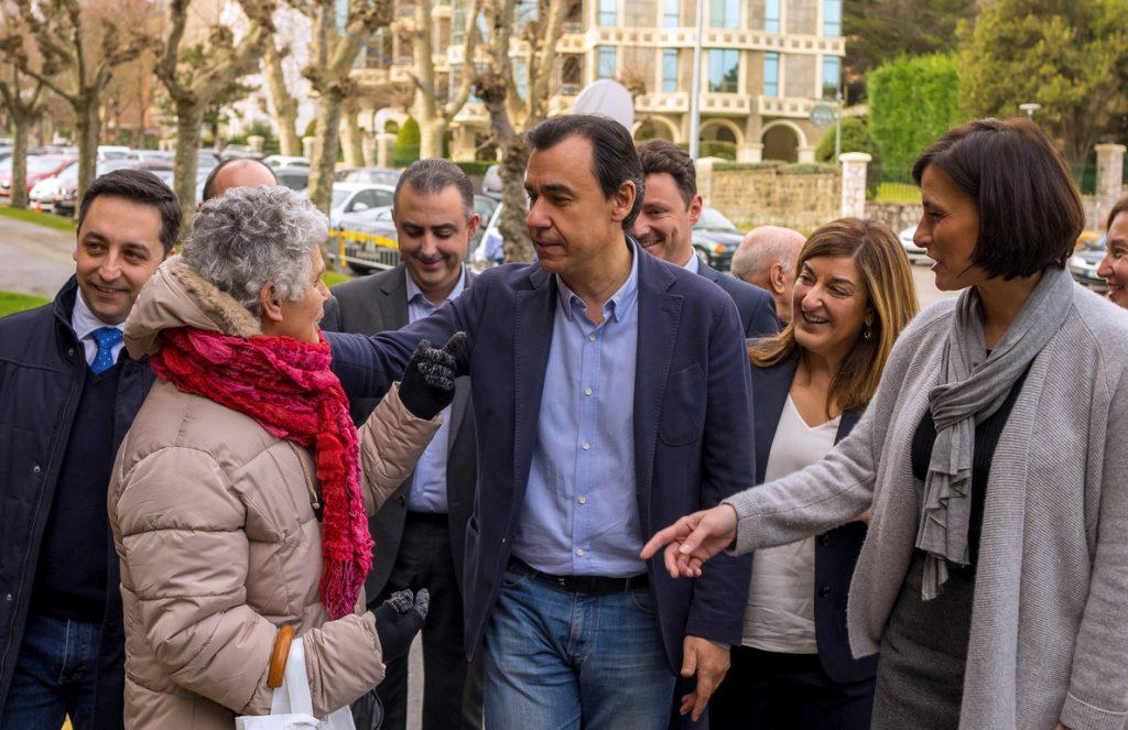 Maíllo dice que los «populismos» intentan conseguir lo que no consiguen en las urnas
