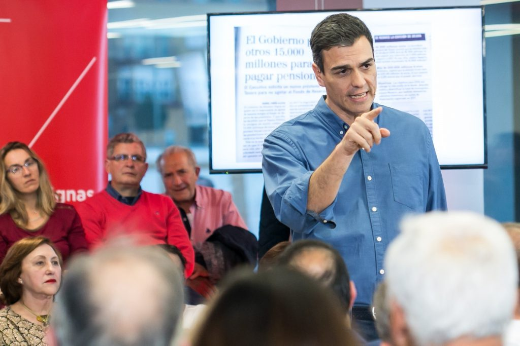 Sánchez reprocha al Gobierno que pida ahorrar para pensiones mientras aprueba amnistías para blanquear dinero