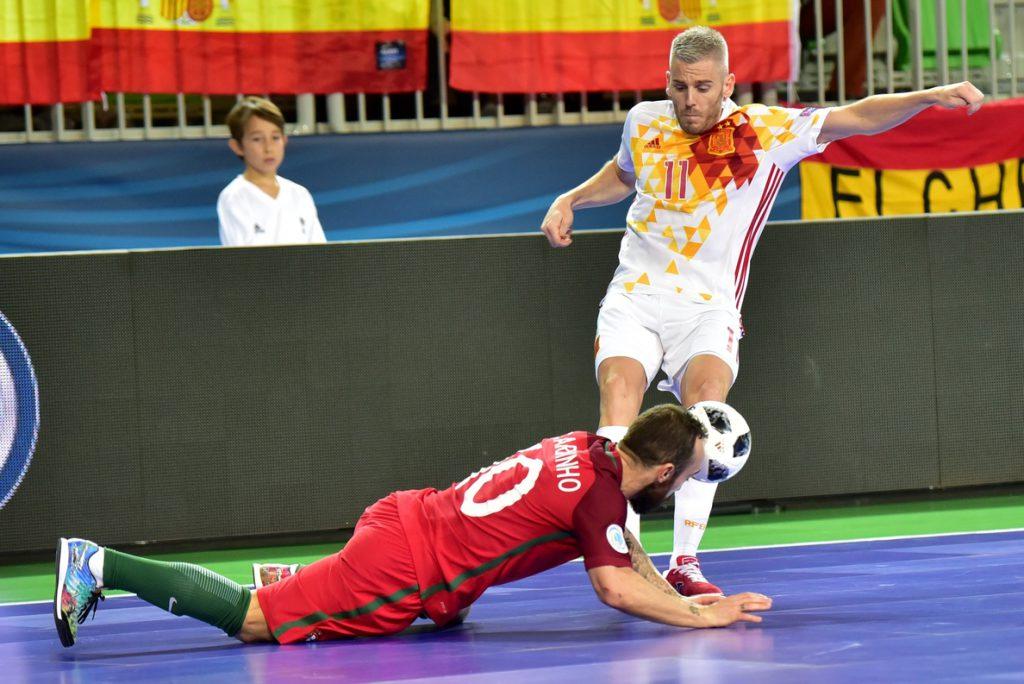 3-2. Un doble penalti en la prórroga frustra a España