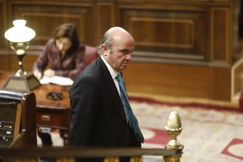 La ley hipotecaria de Guindos se somete a su primer test en el Congreso, con la alternativa de Unidos Podemos