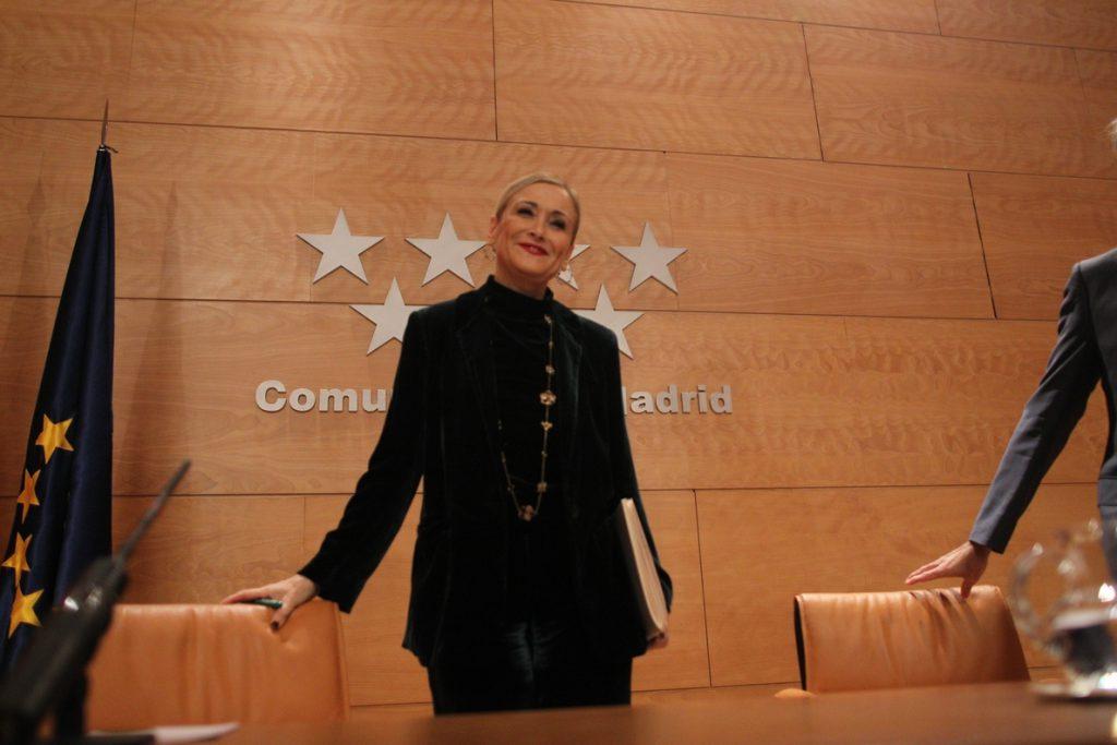 Cifuentes ya habría presentado su candidatura en Cataluña si fuera Inés Arrimadas, que «ni está ni se la espera»