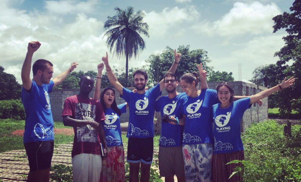 'Playing, la ONG del deporte': a Gambia por un proyecto educativo