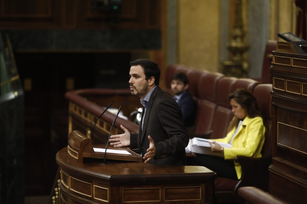Garzón se queja a Ana Pastor por la negativa del Gobierno a asignar a Santamaría una pregunta sobre Guindos y el BCE