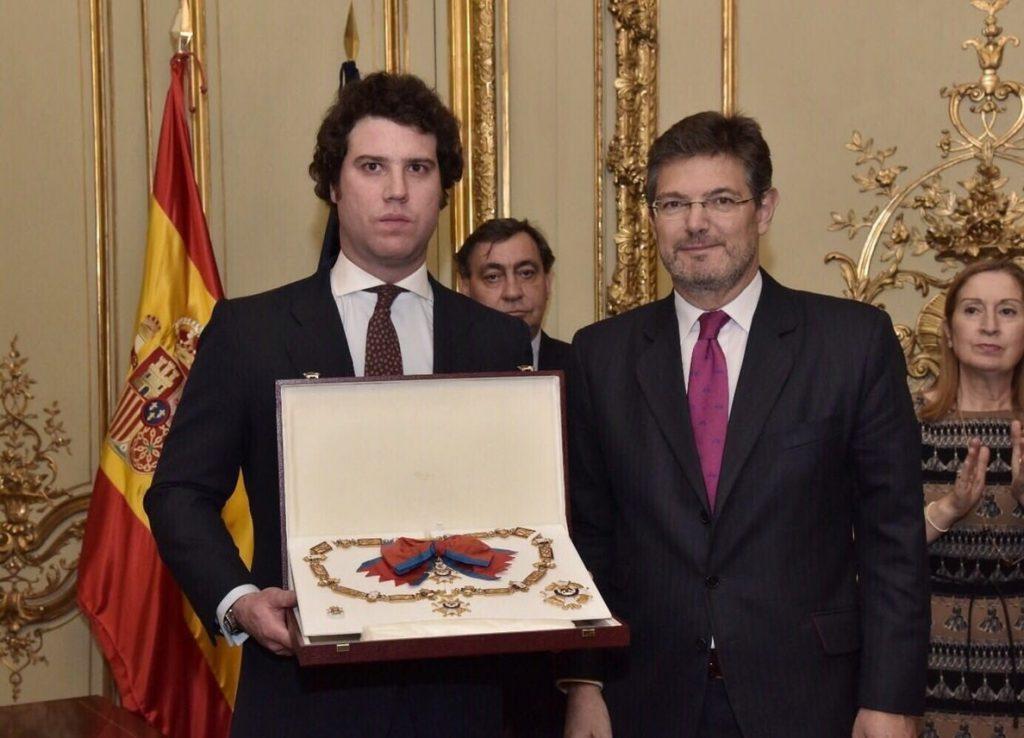 Catalá impone a José Manuel Maza la Gran Cruz de la Orden de San Raimundo de Peñafort a título póstumo
