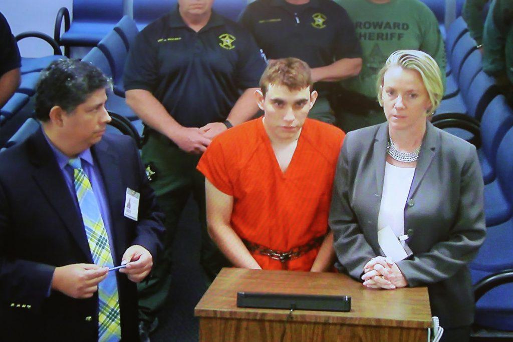 El FBI admite que cometió un error sobre el autor del tiroteo en escuela de Florida