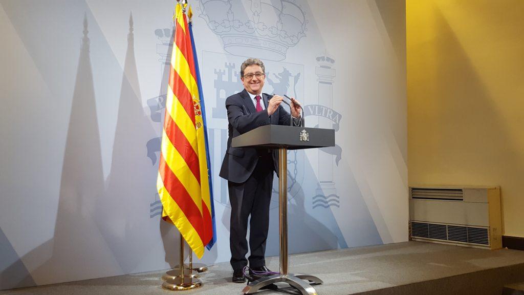 El Gobierno autoriza pagar a los funcionarios catalanes el 20% pendiente de la extra de 2012