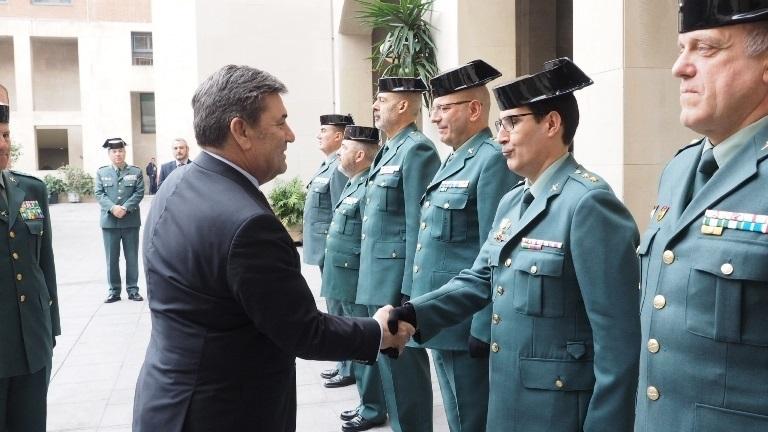 El director de la Guardia Civil felicita a los agentes destinados en Cataluña por su «comportamiento ejemplar»