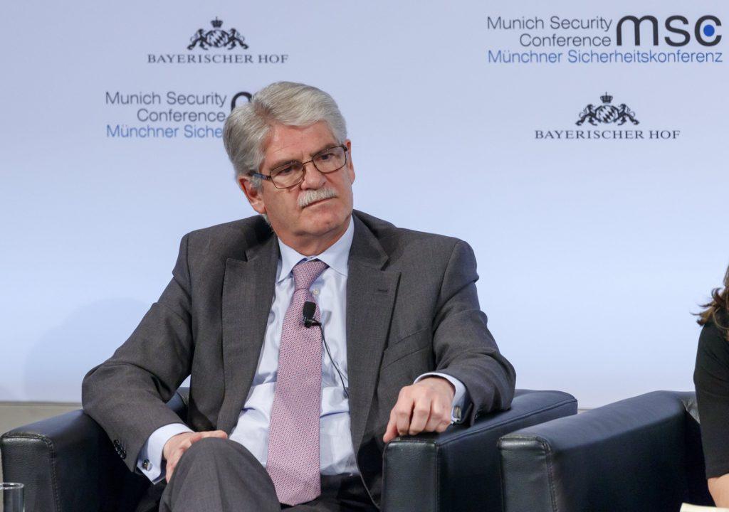 Dastis, convencido de que el Eurogrupo apoyará a De Guindos para el BCE