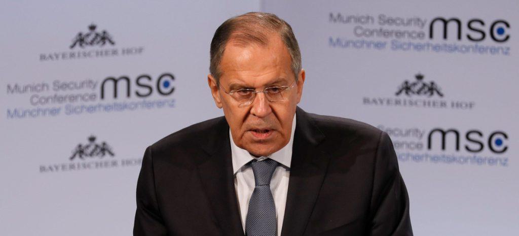 Lavrov tacha de «palabrería» las acusaciones de EEUU por intromisión electoral
