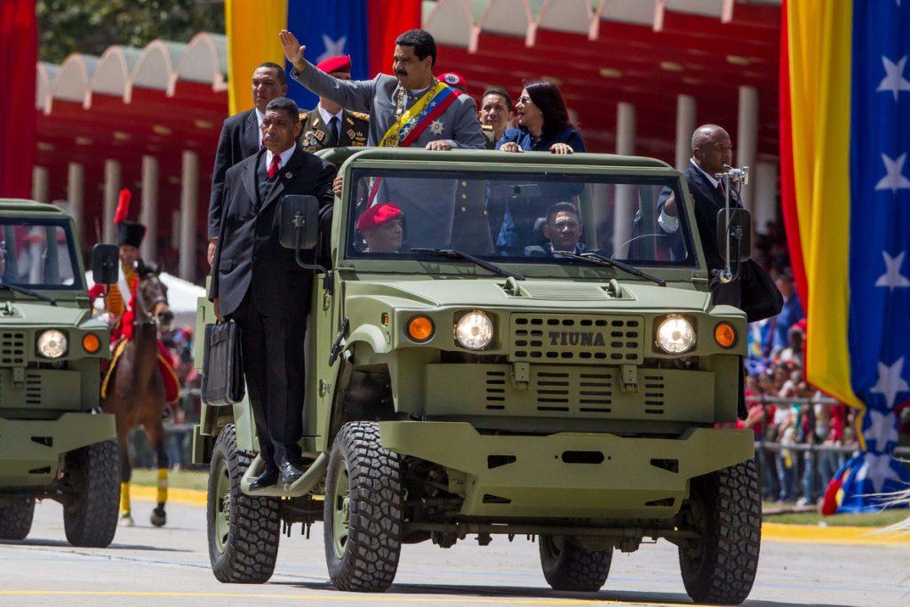 Maduro convoca ejercicios militares para demostrar la «independencia» del país