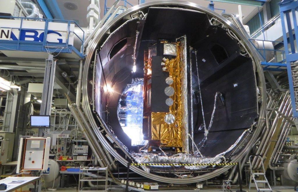 El nuevo satélite español PAZ será «una herramienta esencial» para la seguridad nacional, según Defensa