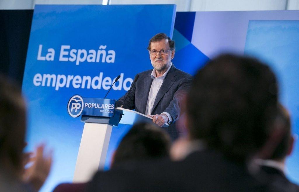 Rajoy critica que se promuevan debates «sobre lenguas» en educación en lugar de invertir en la digitalización