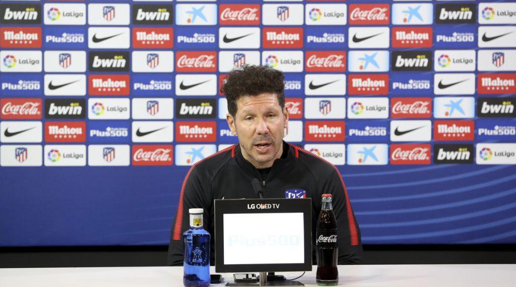 Simeone: «Si fuese hincha haría todo lo posible para no perder a Griezmann»