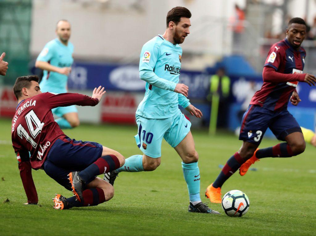 Luis Suárez y Jordi Alba firman el triunfo 0-2 del Barcelona en Eibar