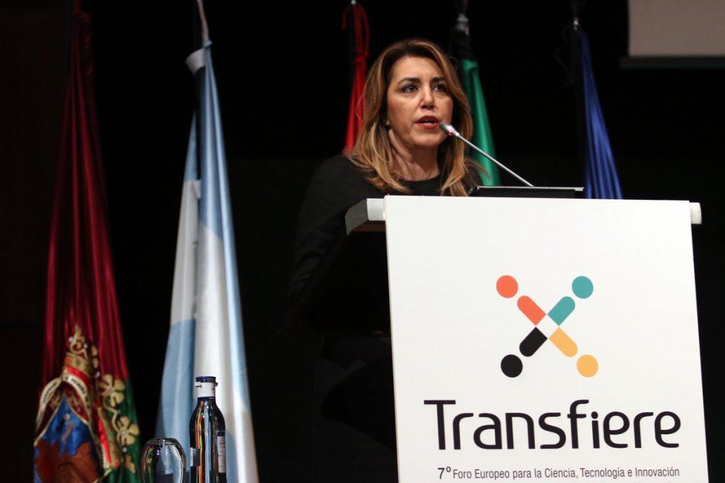 Susana Díaz critica que el Gobierno «utilice» la enseñanza de idiomas en Cataluña «para echar a pelear a las familias»