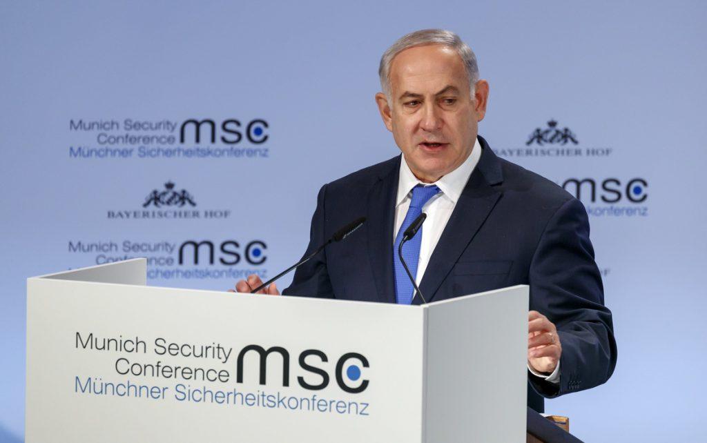 Netanyahu avisa a Polonia no permitirá que se «reescriba la verdad histórica»