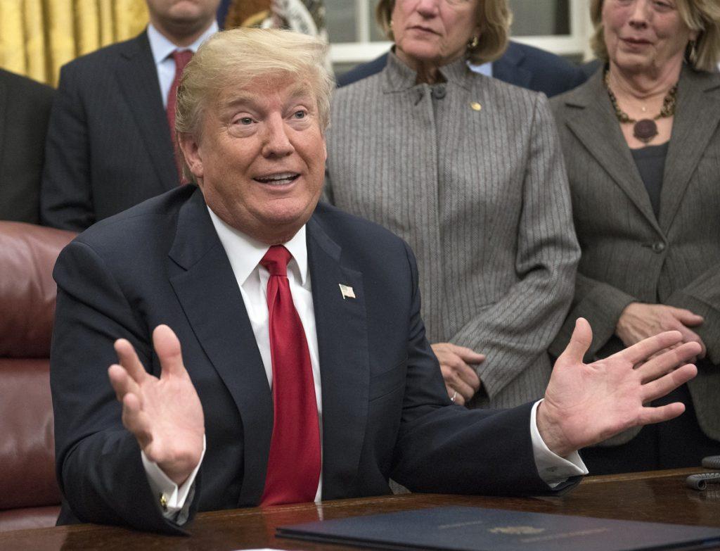 Trump critica al Congreso y al FBI por no haber investigado el pago de Obama a Irán