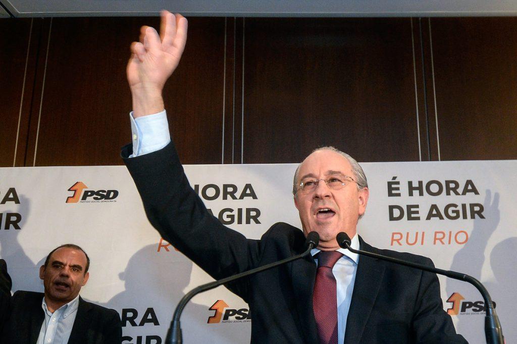 Los conservadores lusos del PSD cierran hoy su congreso con la asunción de nuevo líder