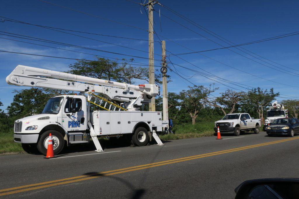 La falta de dinero, una red obsoleta y el huracán agravan la crisis eléctrica de Puerto Rico