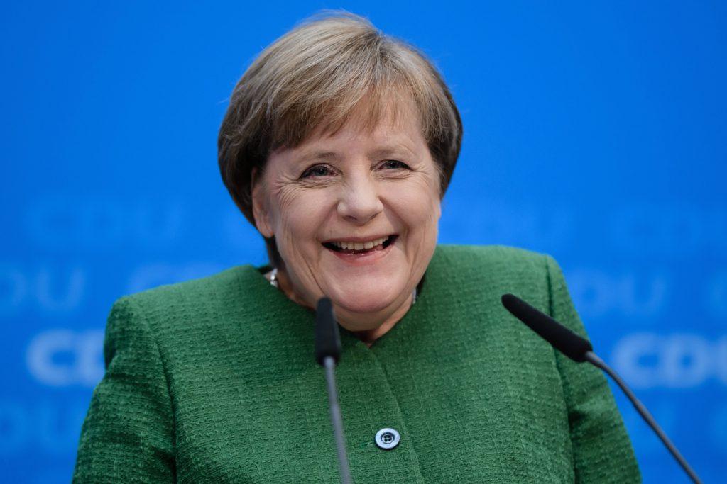 Merkel sienta las bases de su sucesión al designar a la secretaria general de la CDU