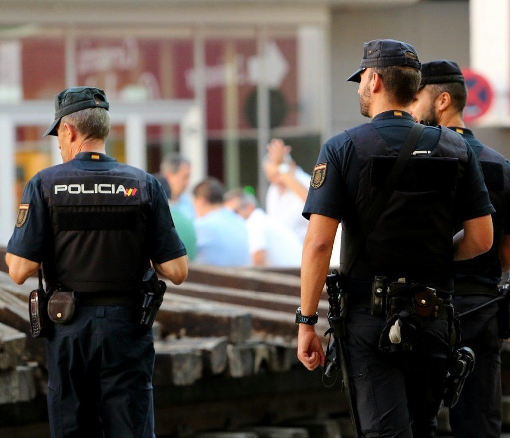 La Policía practica 28 detenciones por la trama de apuestas amañadas que lideraba dos exfutbolistas