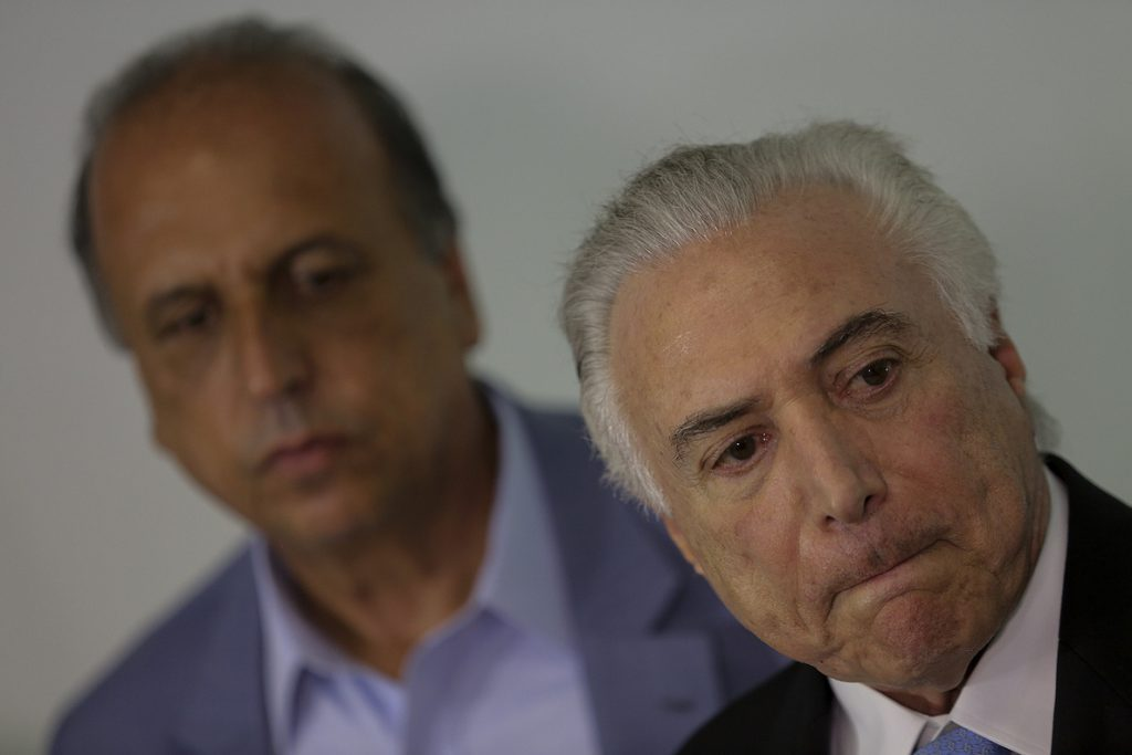 Temer suma avales y la violencia no cede en Río tras la intervención militar