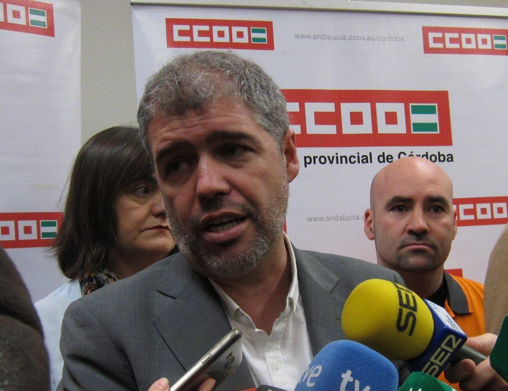 CC.OO. considera un «despropósito» el informe de CEOE que pide no obligar a las empresas a pagar a becarios