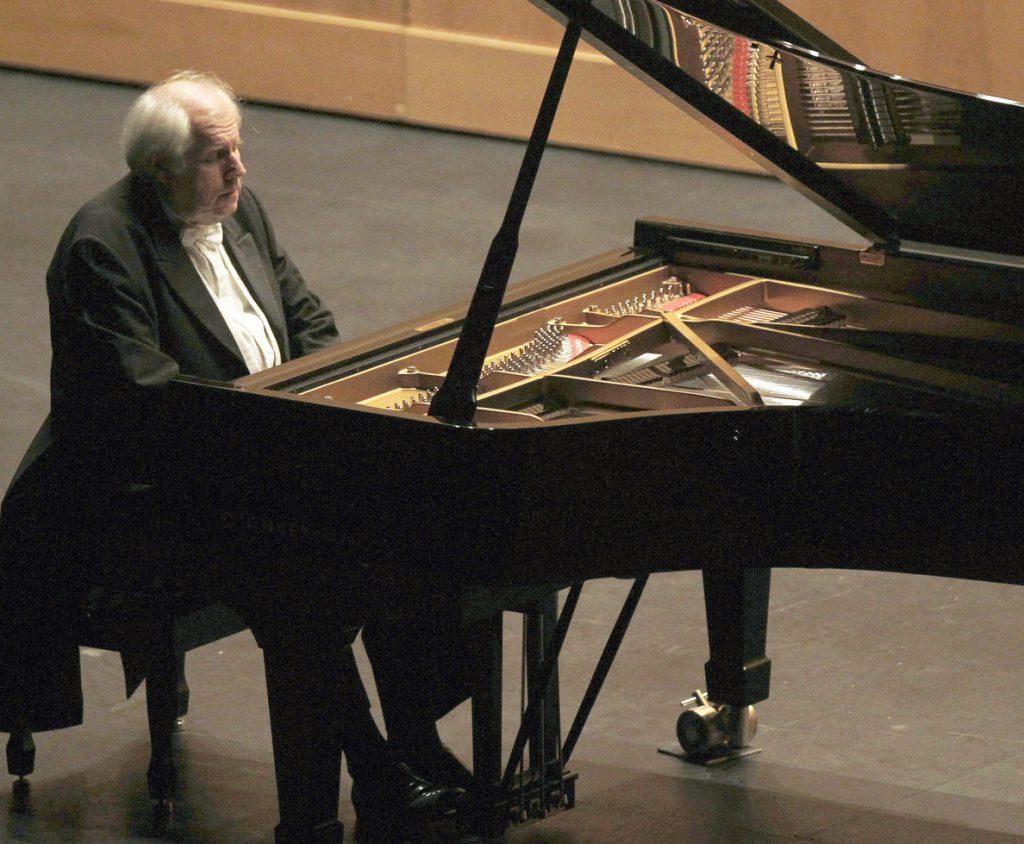 Grigory Sokolov regresa al Auditorio Nacional con un homenaje a Javier Alfaya
