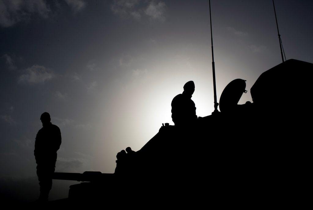 Turquía dispara contra puntos dominados por milicias kurdas y fuerzas sirias