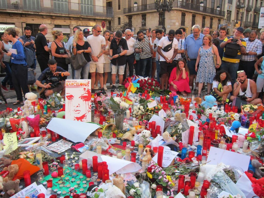 La Justicia francesa limita la investigación en uno de los tres detenidos por vínculos con el atentado en Cataluña