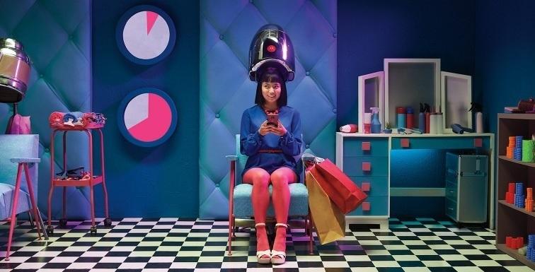 Un 49% de los usuarios de 'smartphones' consulta su 'smartphone' con más frecuencia de la deseada, según Motorola