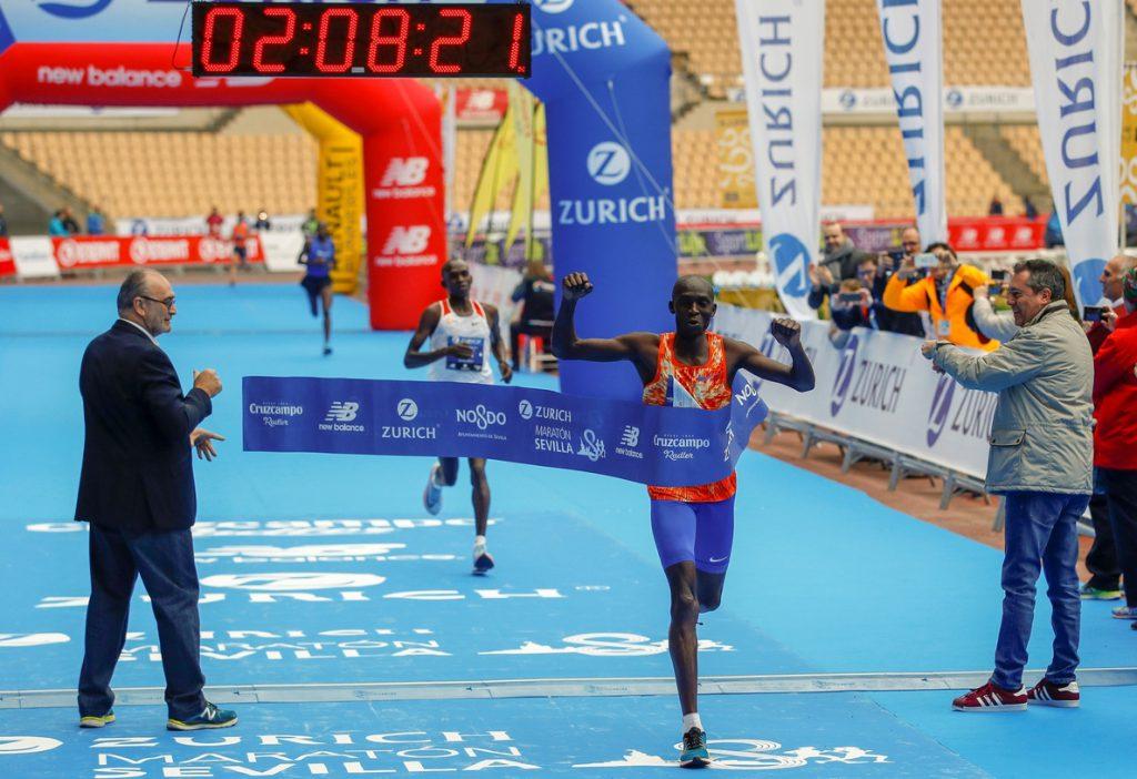 El keniano Dickson y la marroquí Boulaid se imponen en el Maratón de Sevilla