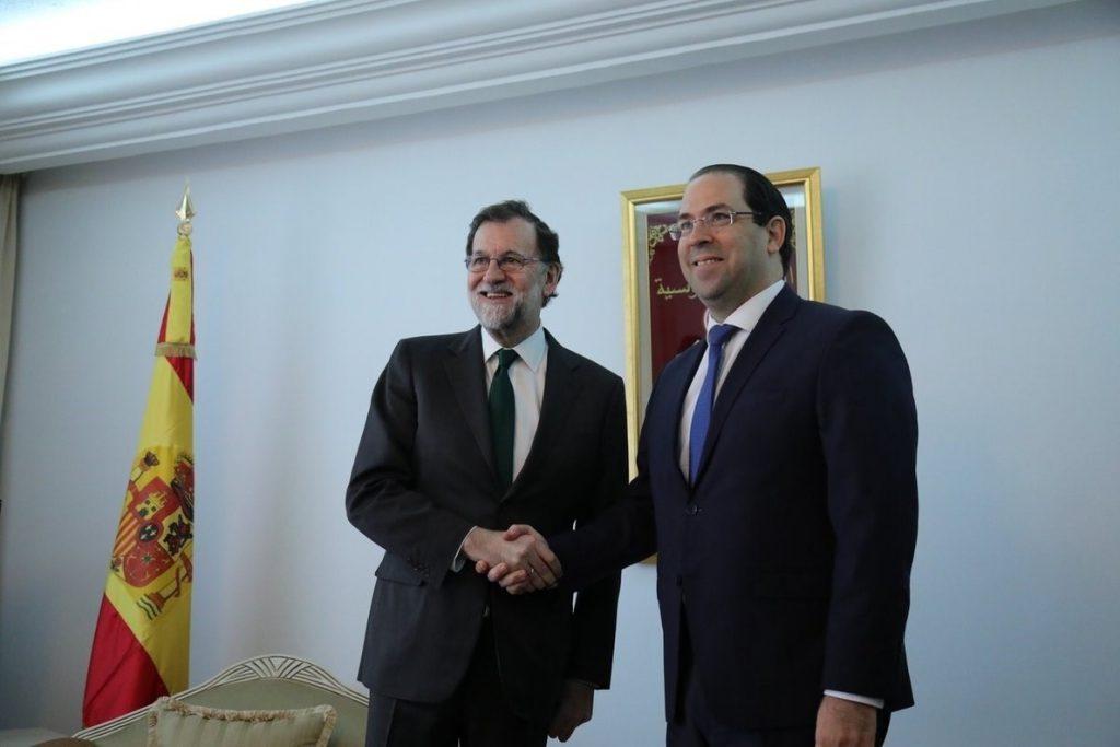 Rajoy ve «nuevas oportunidades» en Túnez y le anima a seguir con reformas apelando al «éxito» de España