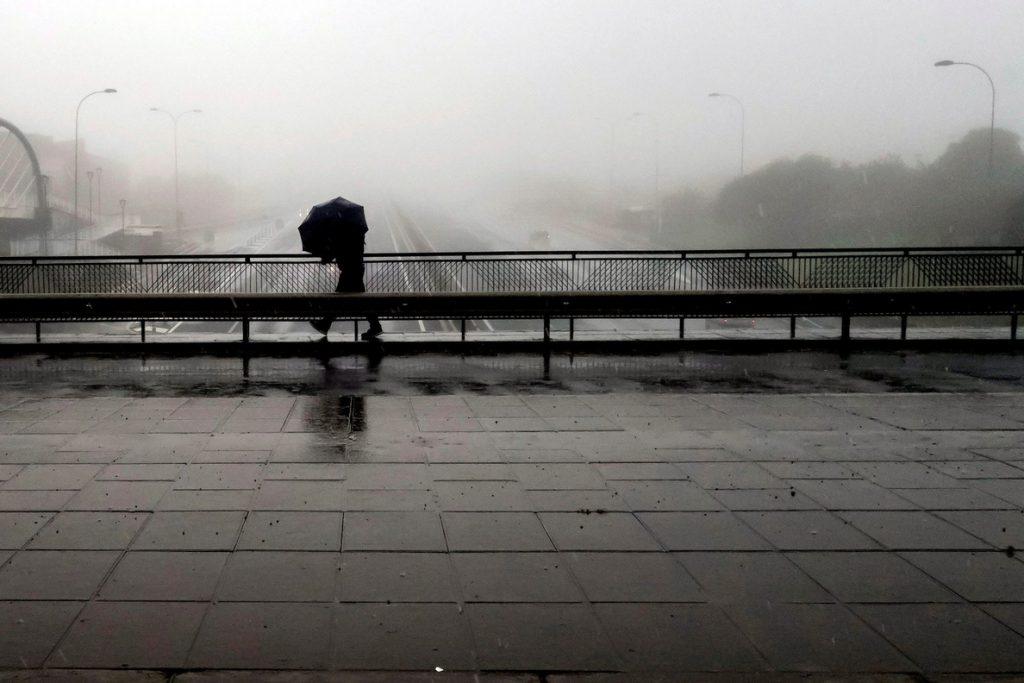 El Gobierno canario suspende las clases el miércoles por vientos de 130 km/h