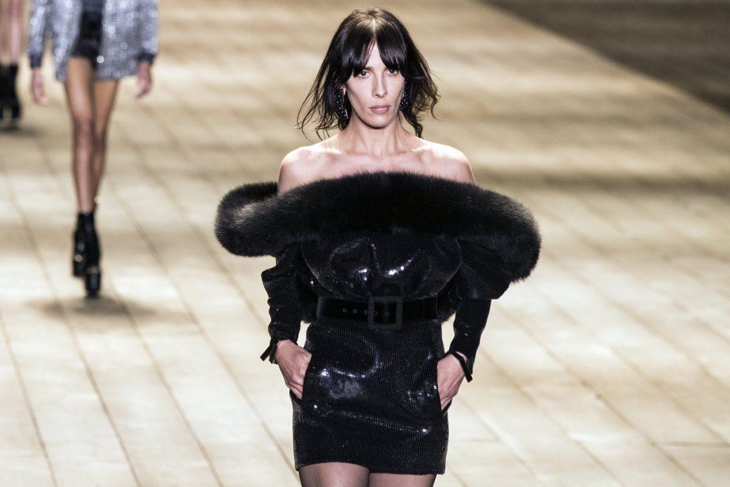 Saint Laurent viste París de negro riguroso en su colección más rockera