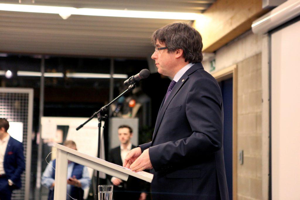 Puigdemont planea un Consejo de la República y una Asamblea en Bruselas