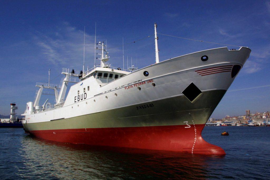 Liberan buque español tras 25 días parado en Argentina por pescar sin permiso