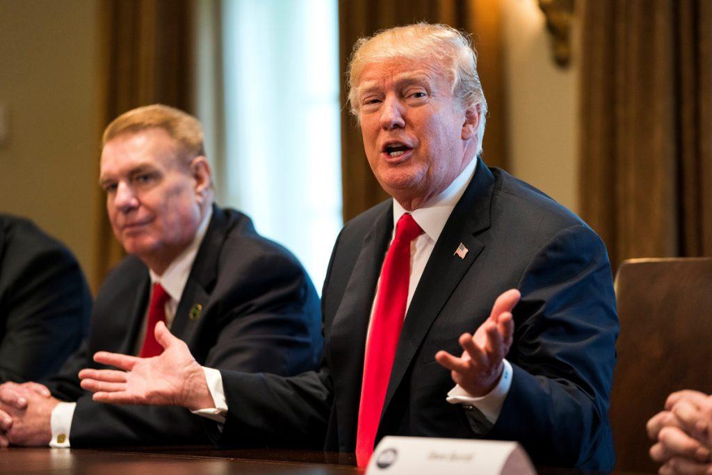 Trump impondrá aranceles de 25 % al acero y 10 % al aluminio