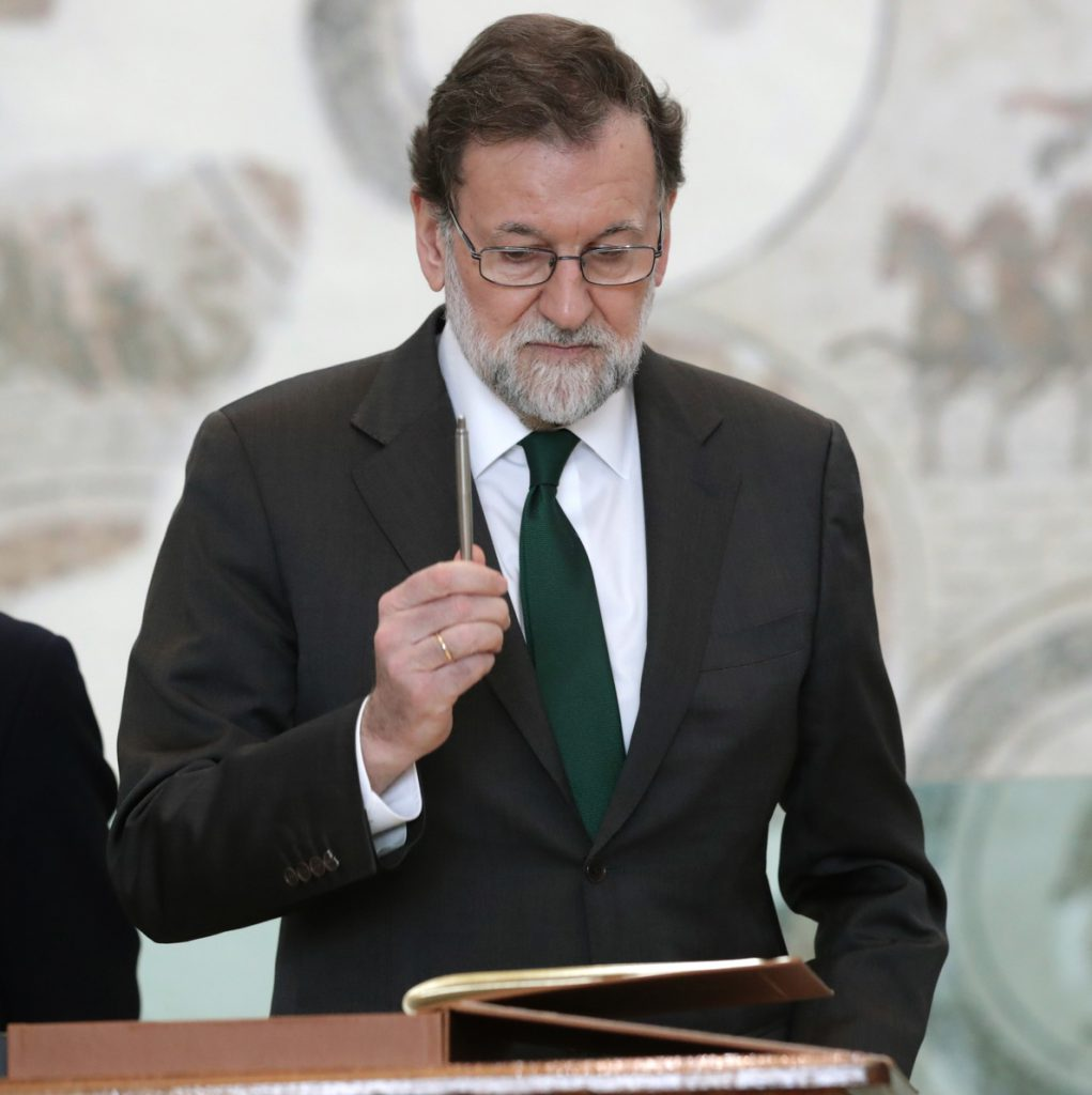 Rajoy anuncia una bajada del 10% en las tasas portuarias de mercancías