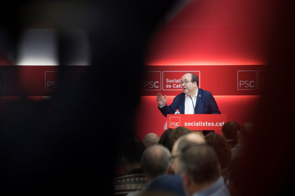 El PSC tilda de «falso» el paso al lado de Puigdemont y ve inviable a Sànchez