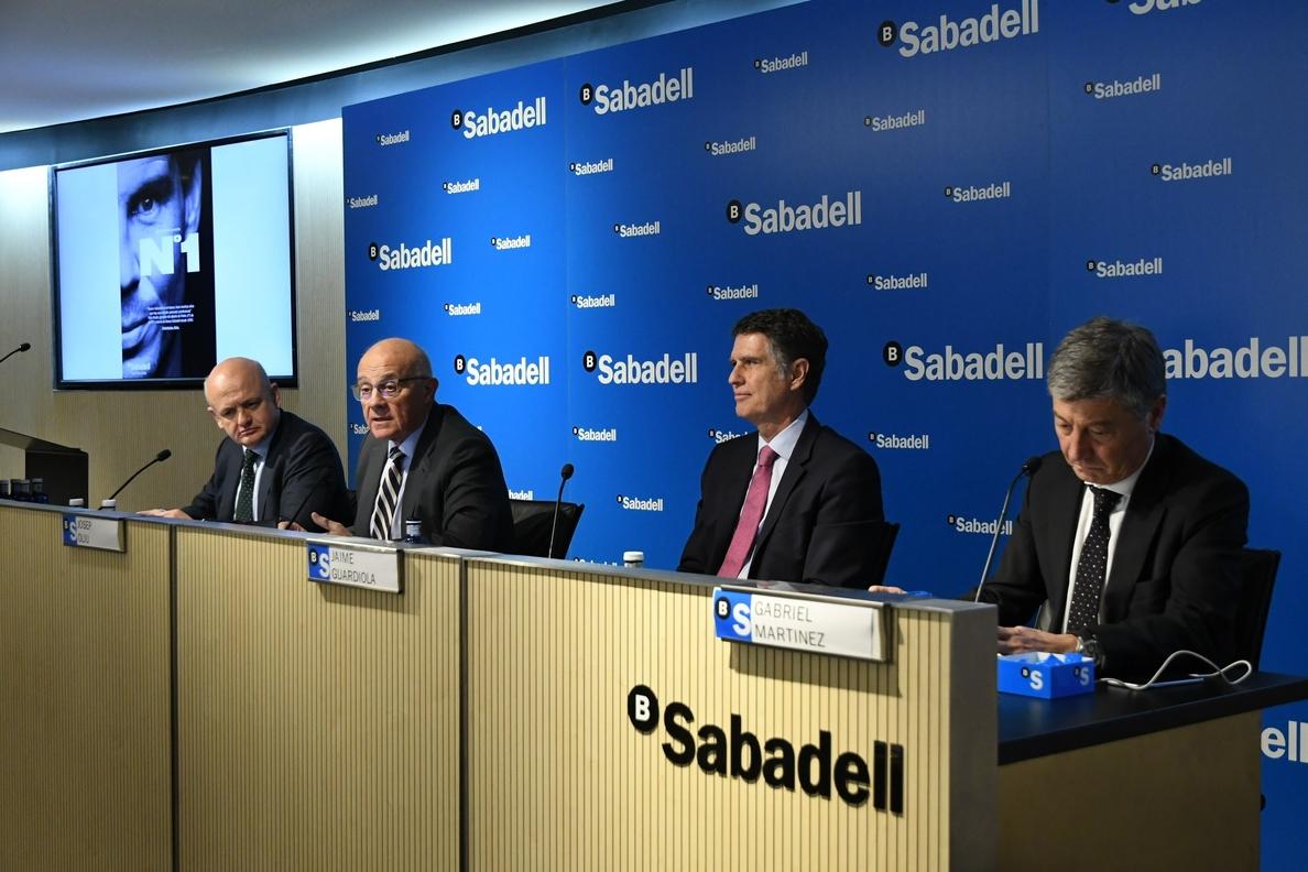 Sabadell aprobará destinar 393 millones como dividendo de 2017 en su primera junta fuera de Cataluña