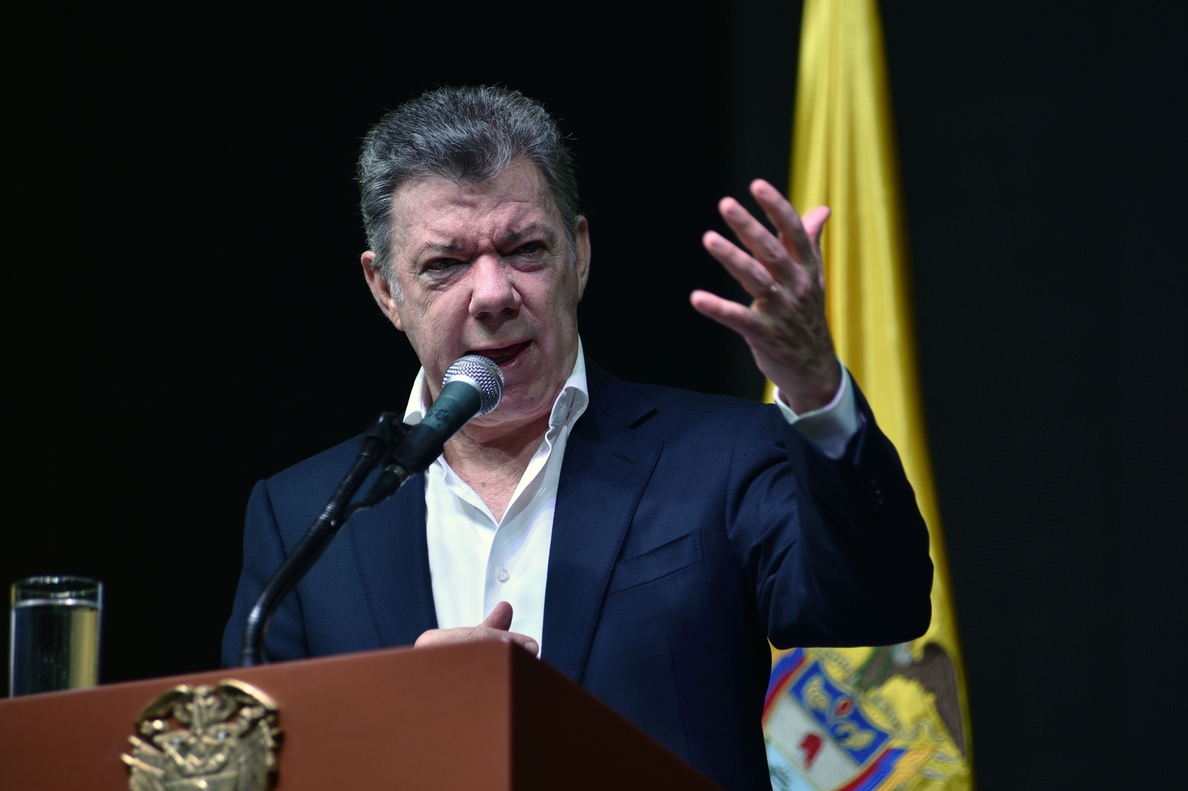 Santos llama a los colombianos a votar en «una cita con la historia y futuro» del país
