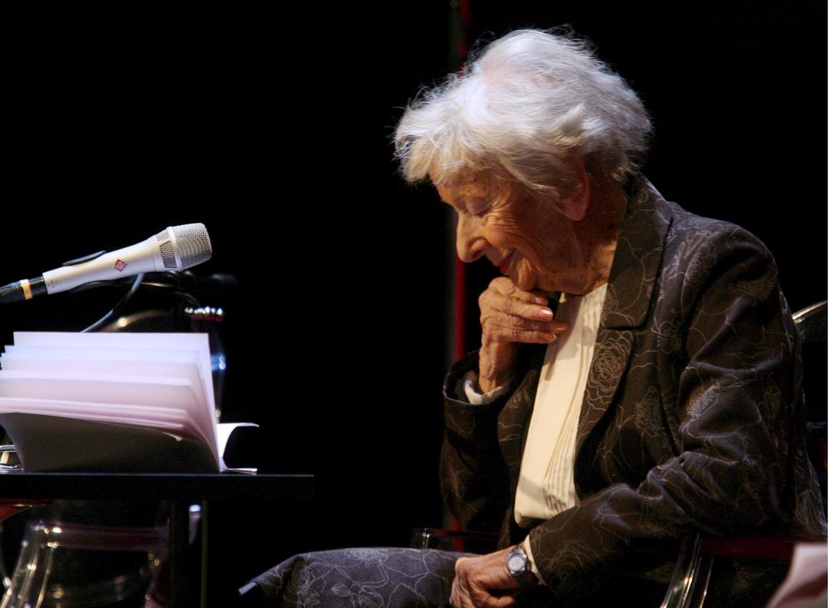 Se publican las cartas de la poeta Szymborska a jóvenes futuros escritores