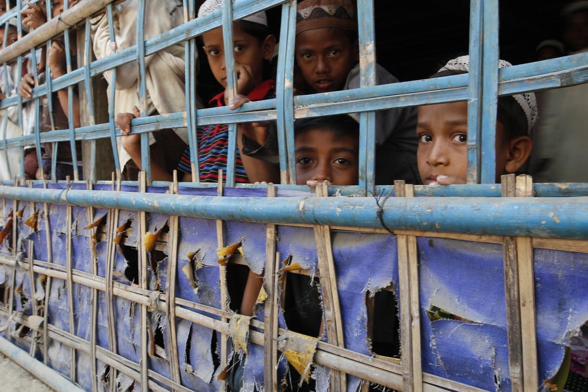 Amnistía Internacional denuncia que Birmania está construyendo bases militares sobre aldeas rohingya